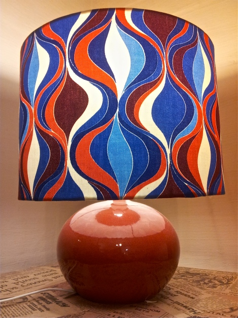 upcycled-designer-lampshade-with-refurbished-vintage-base-in-funky-retro-red-blue-white-fabric-handmade-in-Canberra