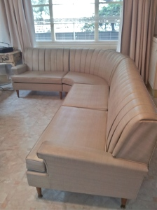 vintage cream vinyl couch 12 full