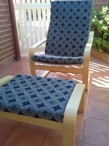 awesome-refurbished-handmade-lounge-feature-chair-in--blak-and-white-