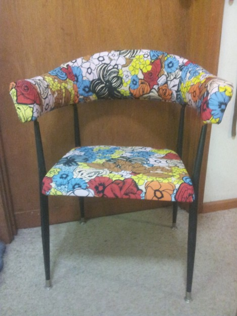 Captain-Pop-Vintage-retro-captains-chair-designer fabric-Andy-Pop-Six hands-by-the-Lost-and-Found-Office