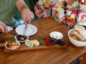 Benedict House,Picasso's platter,Queanbeyan, fine food